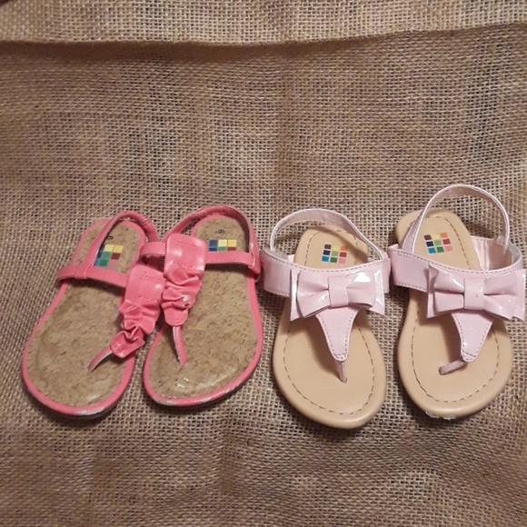 Clothing, Shoes & Accessories Girls Healthtex White Sandals With Butterflies Size 6 Girls' Shoes